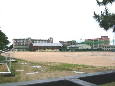 Yonagokita-h-school.jpg