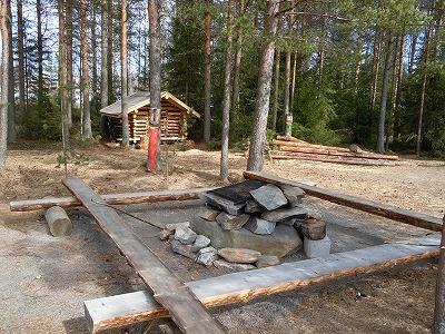 BBQと薪小屋