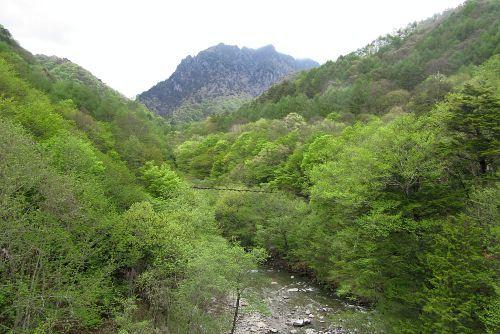 鶏冠山と西沢渓谷