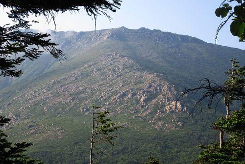 早池峰山を眺めながら下山