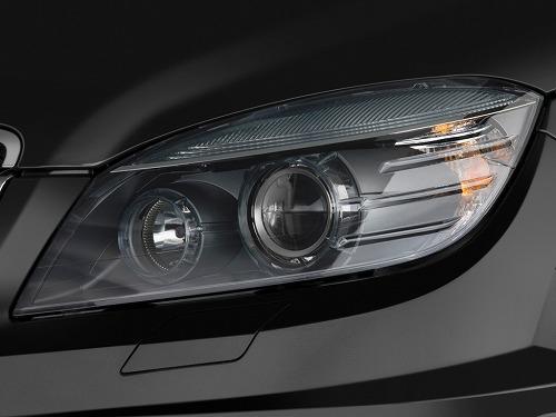 2010-mercedes-benz-c63-amg-4-door-sedan-6-3l-amg-rwd-headlight_100312114_l.jpg