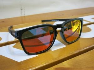 OakleyLatchSq5