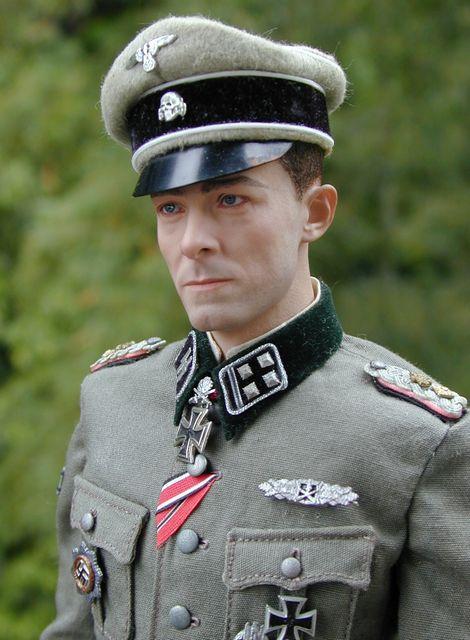 Joachim Peiper_SS-Ostubfhr_02