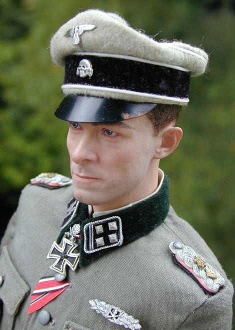 Joachim Peiper_SS-Ostubfhr_03