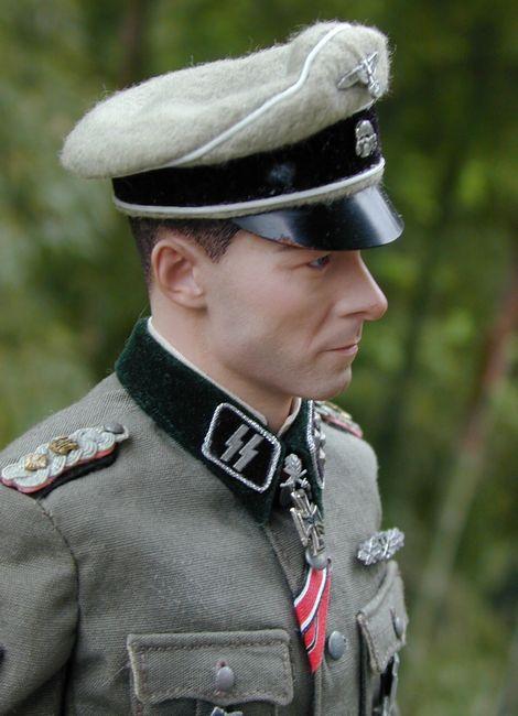 Joachim Peiper_SS-Ostubfhr_04