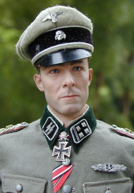 Joachim Peiper_SS-Ostubfhr_07