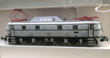 原鉄道模型博物館_E19_01