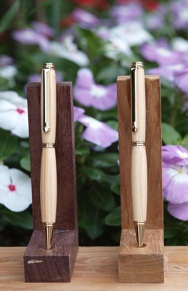 P6290044 檜のペン2本