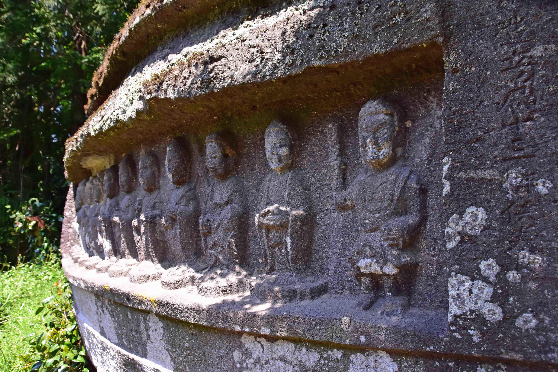 羽黒山磨崖仏