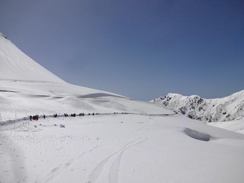 045 雪の大谷