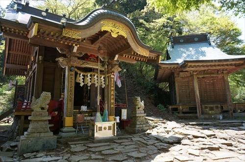 1加波山神社拝殿