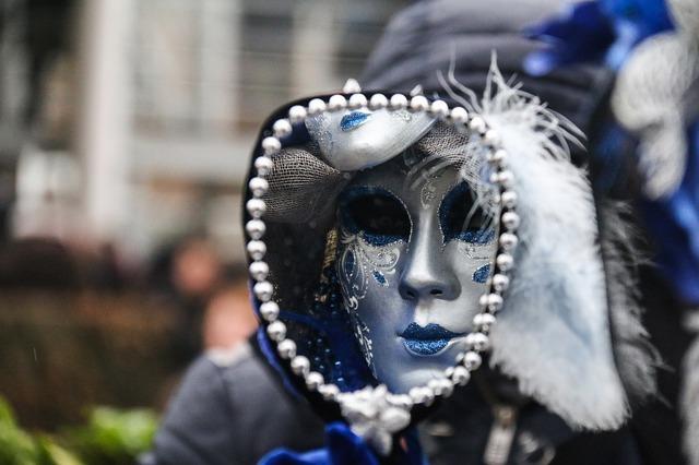 carnival-1991815_640.jpg