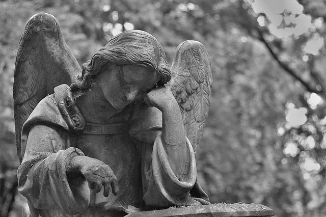 cemetery-1500942_640.jpg