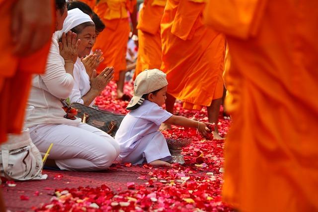 monks-455823_640.jpg