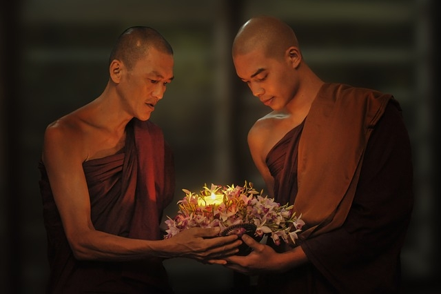 theravada-buddhism-1788675_640.jpg