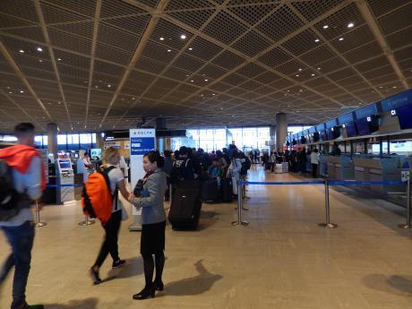 シンガポール2016.12成田空港