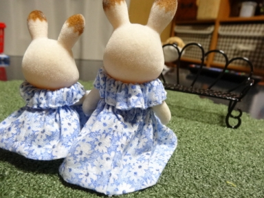 ママと娘のサマードレス、後ろ