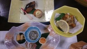 ホテル羅賀荘 夕食料理1