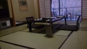 大沢温泉山水閣 本館和室10畳