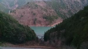 寸又峡温泉への道