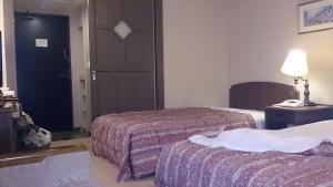 翠紅苑 ツインベッド洋室2