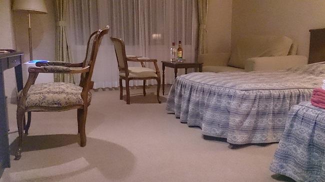 ツインベッドルーム1
