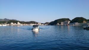 中の島 専用船2