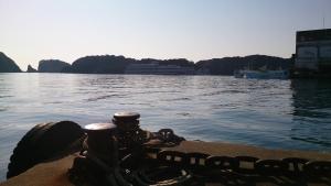 中の島 勝浦港