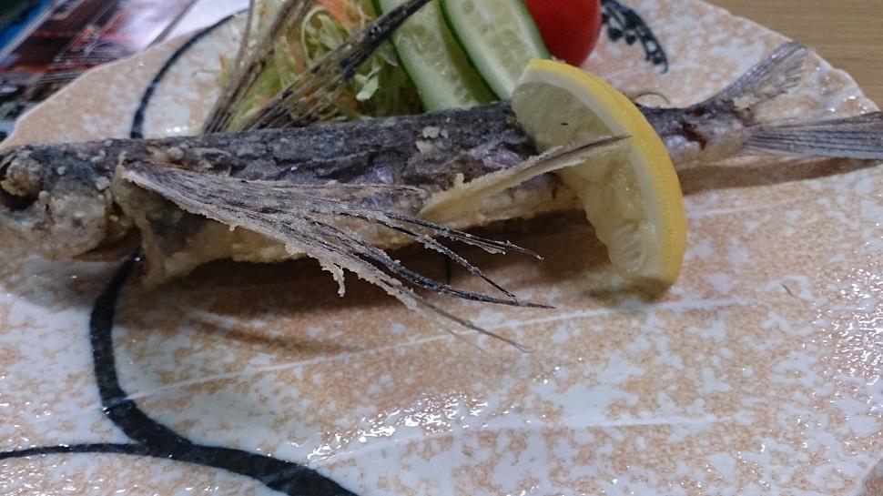 飛び魚の素揚げ1