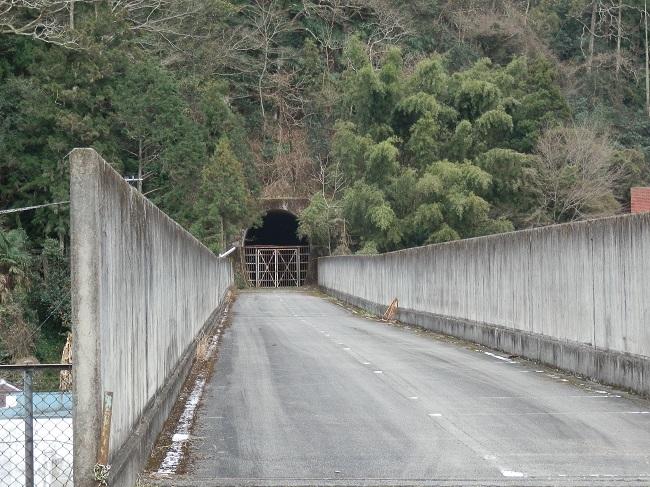 五新線 トンネル跡
