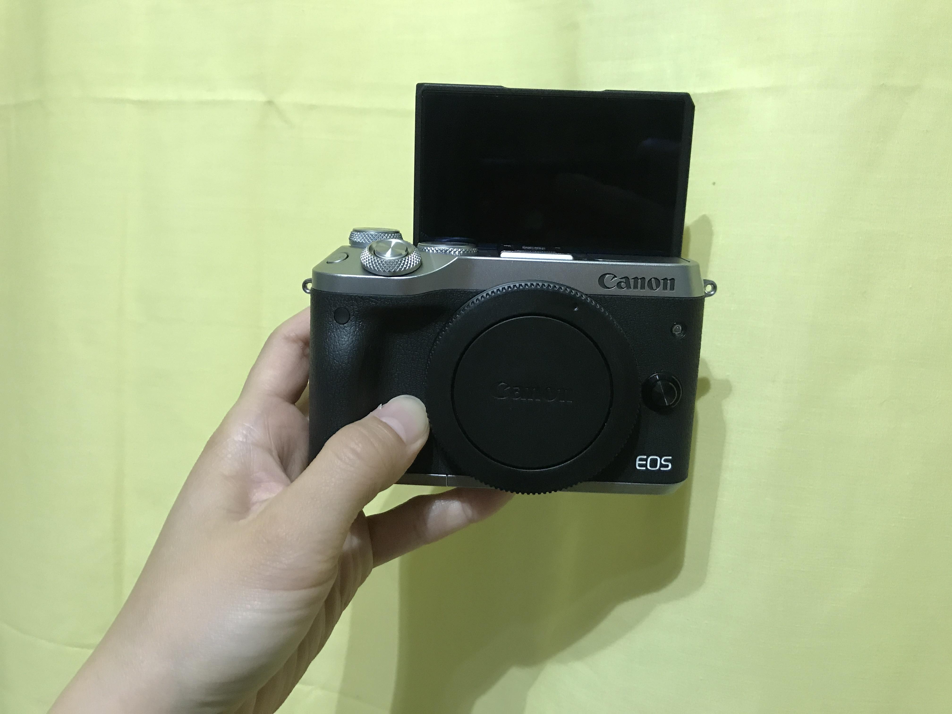 Canon EOS M614