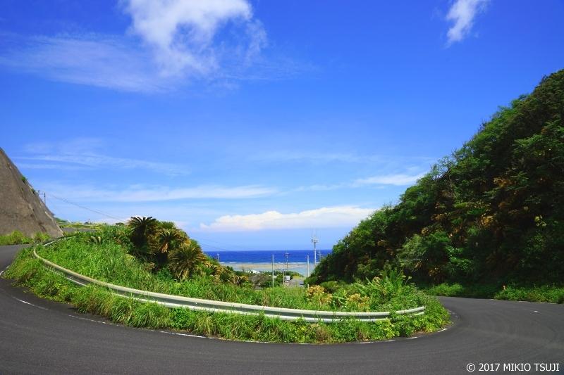 絶景探しの旅 - 0252 山と海とヘアピンカーブと (奄美大島/鹿児島県 龍郷町)