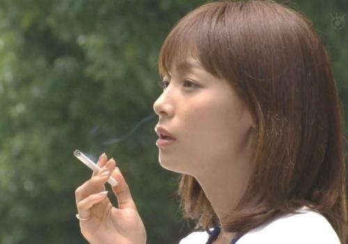 【競馬板】タバコ吸う女はアリか無しか