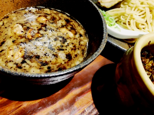 龍の家_もつつけ麺