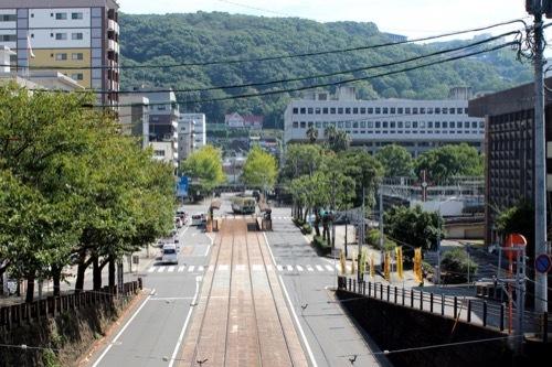 0251:長崎市公会堂 路面電車から