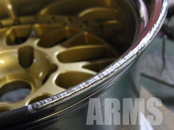 ホイールの削れた部分をアルミ溶接で修復