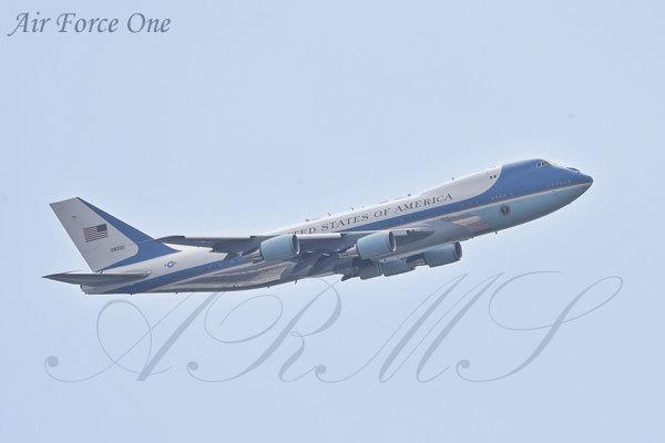 サミットで飛来したエアフォースワン トランプ大統領