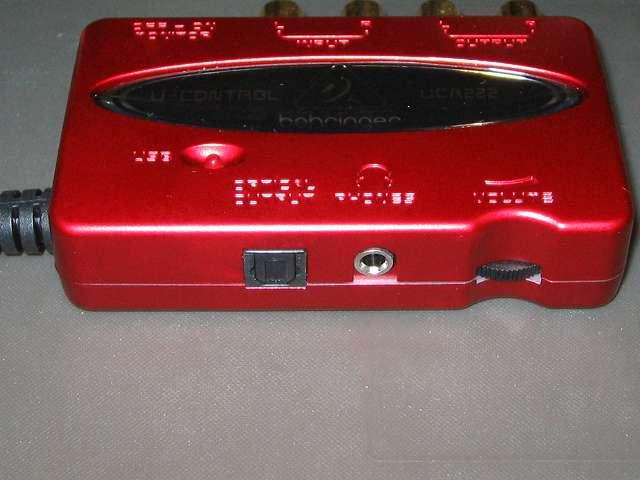 ベリンガー BEHRINGER USB オーディオインターフェイス U-CONTROL UCA222 S/PDIF オプティカル端子(OPTICAL OUTPUT)、ヘッドフォン出力ステレオミニ(PHONES)、ボリューム(VOLUME)