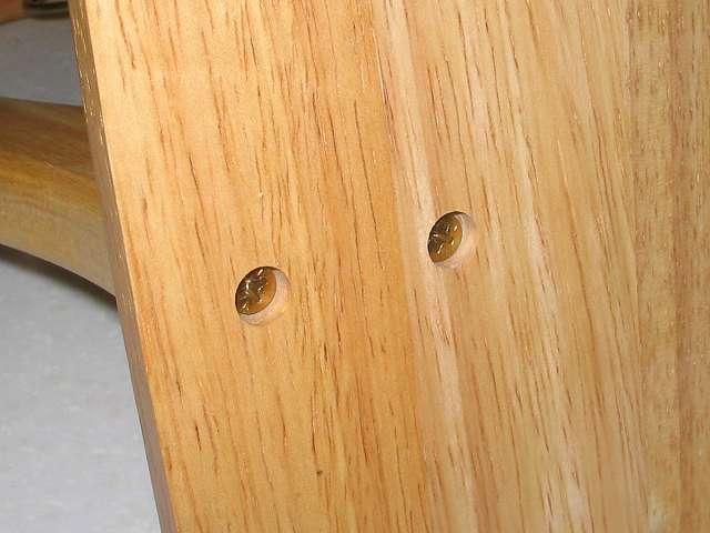 不二貿易 木製バナナツリー 木製台座に木製ツリーをネジ止めしたところ