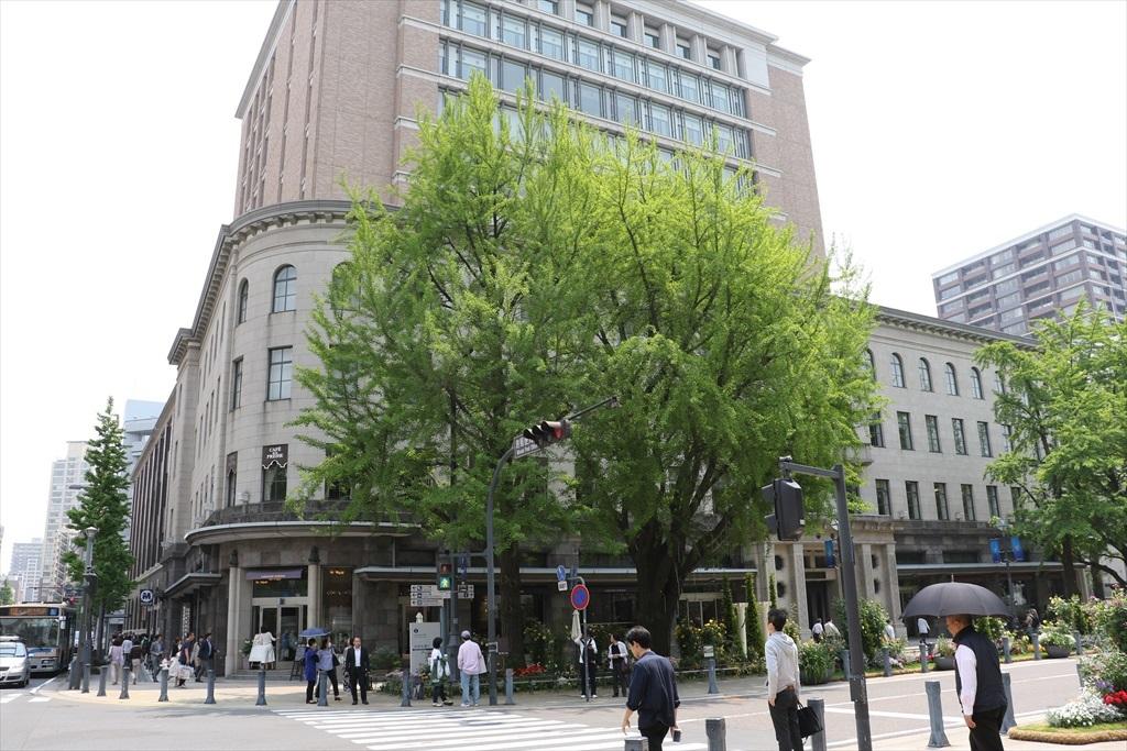 日本大通りを横切る_1