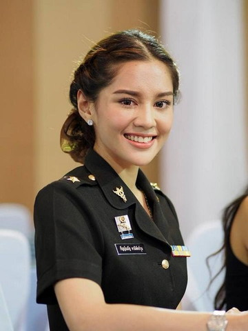 Thai lady (2)