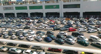 Car parking in Bangkok (4)