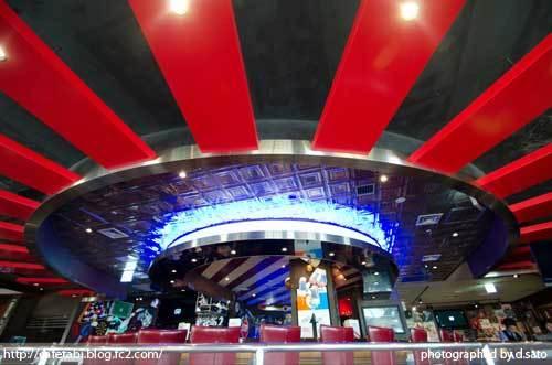 千葉県 浦安市 舞浜 フライデーズ イクスピアリ店 T.G.I FRIDAYS ホットペッパー クーポン 割引 店内 写真 05