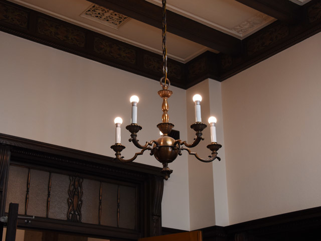 sangiin_70th_chandelier_170520.jpg