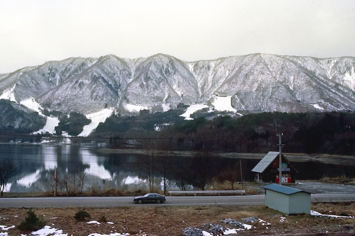 s630102_大糸線の車窓-青木湖