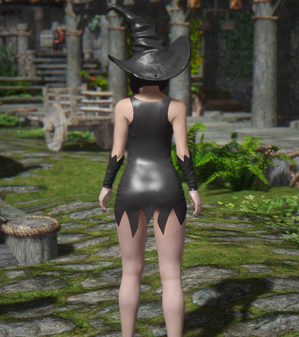 Hot_Witch_UNPB_3.jpg