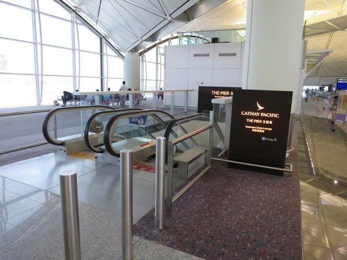 香港空港 キャセイパシフィック ラウンジ ピア
