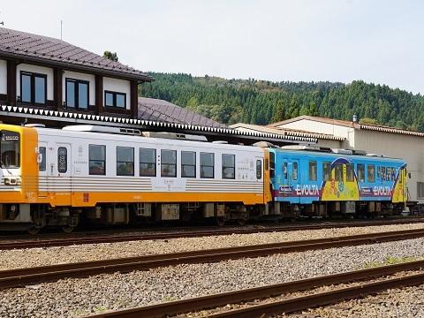 6矢島駅列車2