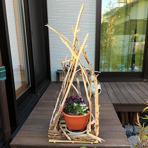 流木で花台の装飾を作ってみました①
