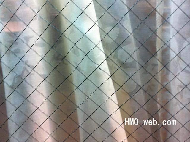 網入りガラス金属線切れ